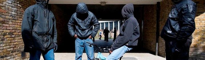 Le Monde – Face aux Gangs d'Adolescents, les Etats-Unis Misent sur la Police deProximité
